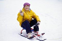 Dame âgée sur la promenade d'hiver Image stock