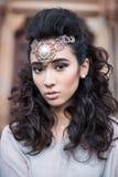 Dame Arabe de beauté dans un portrait sensuel de beauté Photos libres de droits