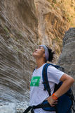 Dame bewundert Samaria Gorge Lizenzfreies Stockbild