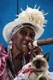 Dame cubaine de cigare Photographie stock