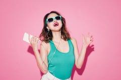 Dame d'été Belle fille asiatique avec le maquillage professionnel images libres de droits
