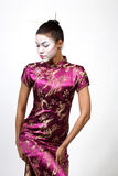 Dame de geisha dans le cheongsam   Image stock