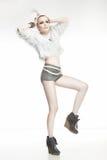 Dame de mode sur le fond gris Photos libres de droits