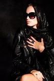 Dame in der Dunkelheit Lizenzfreie Stockbilder