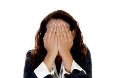 Dame, die ihr Gesicht versteckt Lizenzfreies Stockfoto