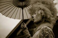 Dame in een Klassiek Uitstekend Halloween-Kostuum Royalty-vrije Stock Afbeeldingen