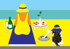 Dame en hond op strand met picknick Royalty-vrije Stock Afbeelding