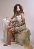 Dame exquise dans le boudoir, rétro verticale (5) image libre de droits