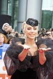 Dame Gaga an der Premiere 'eines Sternes ist getragenes 'tragendes Armani Privéat am internationalen Film-Festival Torontos lizenzfreie stockfotografie