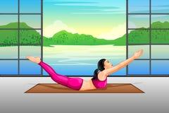 Dame het praktizeren yoga voor wellness royalty-vrije illustratie