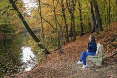 Dame Hiker Resting Royalty-vrije Stock Foto's
