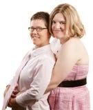 Dame Holding Lover From Behind Lizenzfreie Stockfotos
