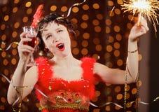 Dame im roten Kleid am Karneval Lizenzfreie Stockfotos