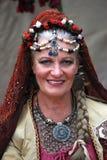 Dame im Zigeunerkostüm an der mittelalterlichen Messe lizenzfreies stockfoto