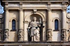 Dame Justice mit Skala und Klinge lizenzfreies stockfoto