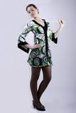 Dame in kleurrijke kleding Stock Afbeelding