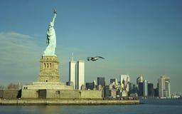 Dame Liberty en TweelingTorens stock foto's