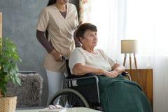 Dame met de ziekte van Alzheimer ` s stock foto's