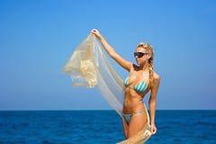 Dame met transparante sjaal Royalty-vrije Stock Afbeelding