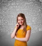 Dame mit Hand gezeichneten weißen Berechnungen und Ikonen Lizenzfreie Stockbilder