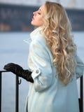 Dame op promenade Royalty-vrije Stock Fotografie