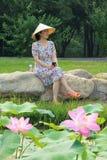 Dame in park Royalty-vrije Stock Foto