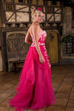 Dame in roze royalty-vrije stock afbeelding