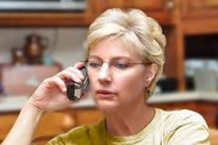 Dame Talking op Telefoon Royalty-vrije Stock Foto