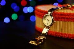 Damen-Armbanduhr lizenzfreie stockfotos