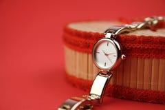 Damen-Armbanduhr stockbild