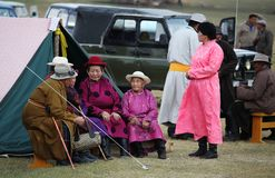 Damen bei Naadam lizenzfreie stockfotos