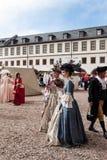 Damen in den Kleidern des 18. Jahrhunderts Lizenzfreies Stockfoto
