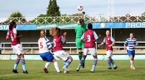 Damen der Lesungsfc Frauen-V Aston Villa lizenzfreie stockbilder