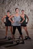 Damen, die Matte-Lager-Training beenden Lizenzfreies Stockbild