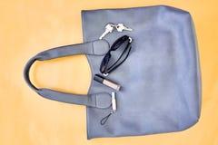 Damen Grey Handbag Stockfotos