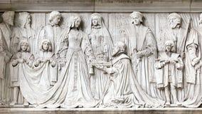 Damen Jane Grey erbjuds kronan av England royaltyfria foton
