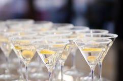 Damengetränke gedient für die Cocktailparty Lizenzfreies Stockfoto