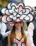 Damenmode an den Rennen des königlichen Ascots  Stockbild