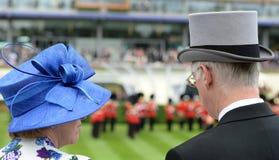 Damenmode an den Rennen des königlichen Ascots Stockfoto