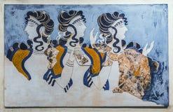 `-Damer i blå `-freskomålning från den Knossos slotten Det arkeologiska museet i Heraklion, Kreta Royaltyfri Fotografi