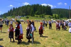 Dames âgées dans des robes authentiques bulgares Photos stock