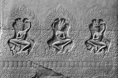 3 dames - Bas Relief Detail in Angkor Wat, Siem oogst, Kambodja, Indochina, Azië royalty-vrije stock fotografie