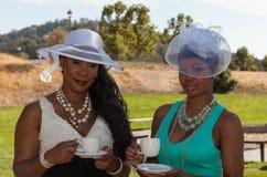 Dames bij een theedeel Stock Fotografie