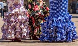 Dames dans des robes de flamenco dans Andalousie, Espagne image stock