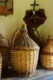 Dames - jeannes de vin tissés par antiquité Photo stock