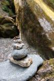 Damfel på stenen Royaltyfria Foton