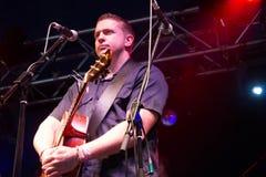 Damien Dempsey med musikbandet för Clewfjärdrör (2) Arkivfoton