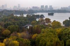Daming Lake i höst, Jinan, Kina Arkivbild