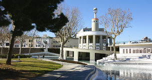 Damm av trädgårdarna av den industriella Spanien i Sants Arkivbild