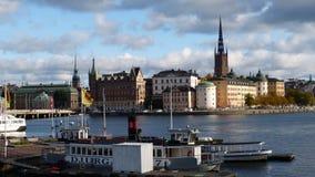 Damm der alten Stadt Stockholm lizenzfreie stockfotos